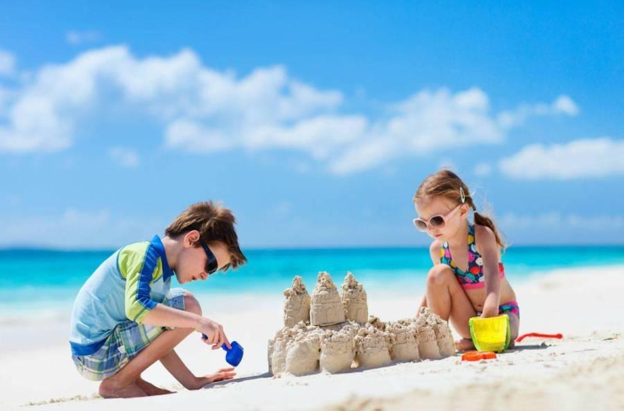 10-family-beach-day-tips